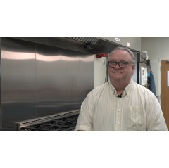Kansas State University food safety expert Edgar Chambers, professor and director of the Sensory Analysis Center, published a study that evaluated celebrity chefs for their food safety behaviors.