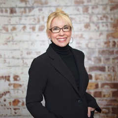 Interior design industry leader, Lita Dirks, set to speak at multiple education sessions at the 2017 International Builders Show, this coming January, in Orlando, Florida.