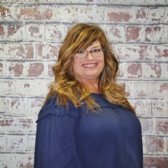 Lita Dirks & Co., is proud to welcome Kenna Lammer as the newest designer to its qualified design team.