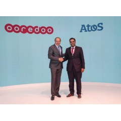Francis Meston, Head of Middle East & Africa and Group Digital Transformation Officer at Atos and Sheikh Nasser bin Hamad bin Nasser Al Thani, Chief Business Officer at Ooredoo, at Mobile World Congress 2019.    -Credit: Atos-