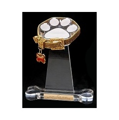 The Official 2015 Golden Collar Award to be Given Out for Acting Excellence by Shelter Dogs in Film, Television, TV Commercials, Web Series, and in Amateur Videos