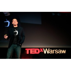Jamie Keddie tells a video story at TEDxWarsaw