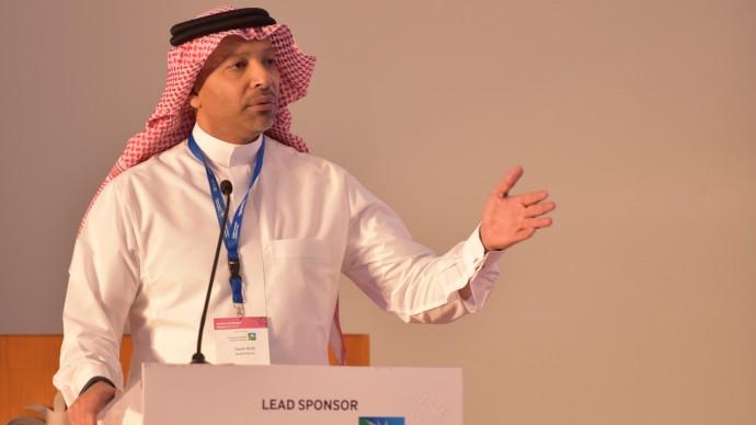 Saudi Aramco eyes local IPO, may spike overseas listing