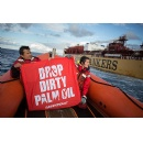 Greenpeace prevents tanker loaded with dirty palm oil products from mooring in Rotterdam harbour