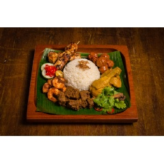 Hilton Singapore Halal Iftar To-Go - Nasi Ambeng Sharing Set. Credit: Hilton Hotels & Resorts