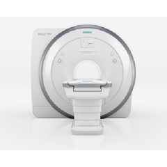 The new 1.5-tesla MRI scanner Magnetom Amira from Siemens Healthcare combines high image quality with comparatively low costs per scan. One reason is the new