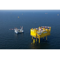 Siemens hands over HelWin1, the second North Sea grid connection to TenneT: The German-Dutch transmission system operator has now also put this grid connection into commercial operation.