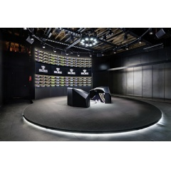 Dynamic object tracking and projection systems fuel the interactive process of the Nike Makers' Experience.