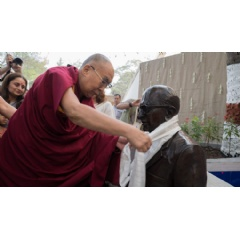 His Holiness the Dalai Lama inaugurating a statue of Dr Shantilal Somaiya, father of the current President, Samir Somaiya and son of the founder on his arrival at Somaiya Vidyavihar in Mumbai, India. Photo by Lobsang Tsering