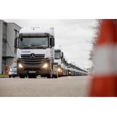 The new Mercedes-Benz Actros models for the Hegelmann Group leave the Mercedes-Benz Wörth plant.
