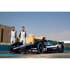 Nissan e.dams kicks off Formula E electric street racing challenge with impressive points haul