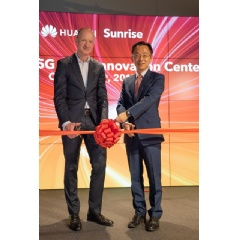 Olaf Swantee, CEO of Sunrise and Ryan Ding, Executive Director, CEO of the Carrier BG, Huawei, open the First European 5G Joint Innovation Center