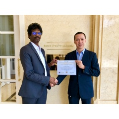 Do Van Long receives the Certification from Rajkumar Kanagasingam, President, Fintech Association of Sri Lanka (FASL) and GAFM Representative in Sri Lanka and The Maldives, at Park Hyatt Saigon, Vietnam.